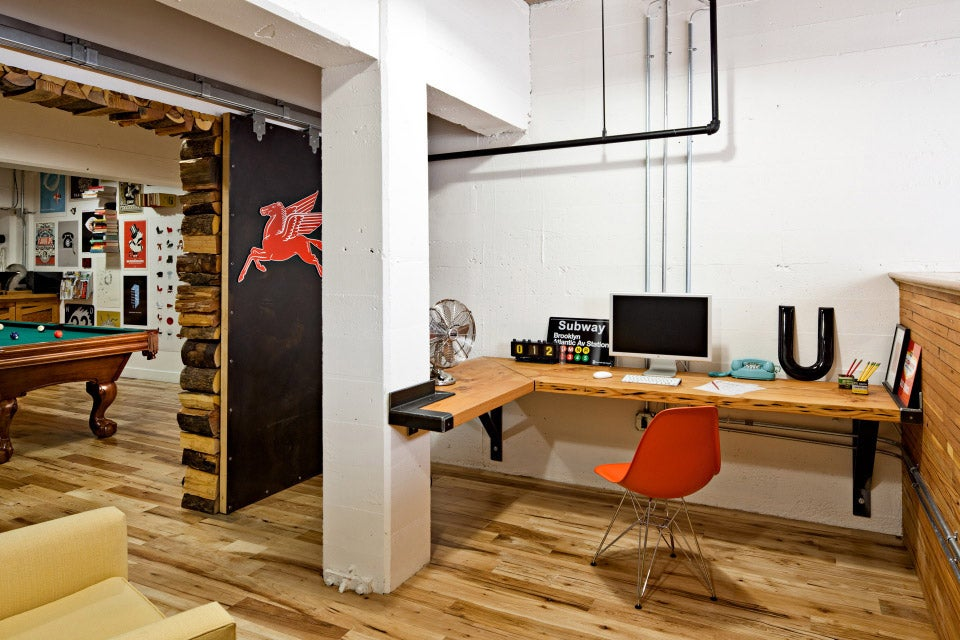 100 home office work space designs swagger magazine for Office design publications