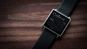 Qlocktwo-W-Watch-11