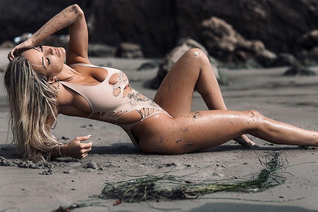 Hottest Instagram Models - Lindsey Pelas - SWAGGER Magazine
