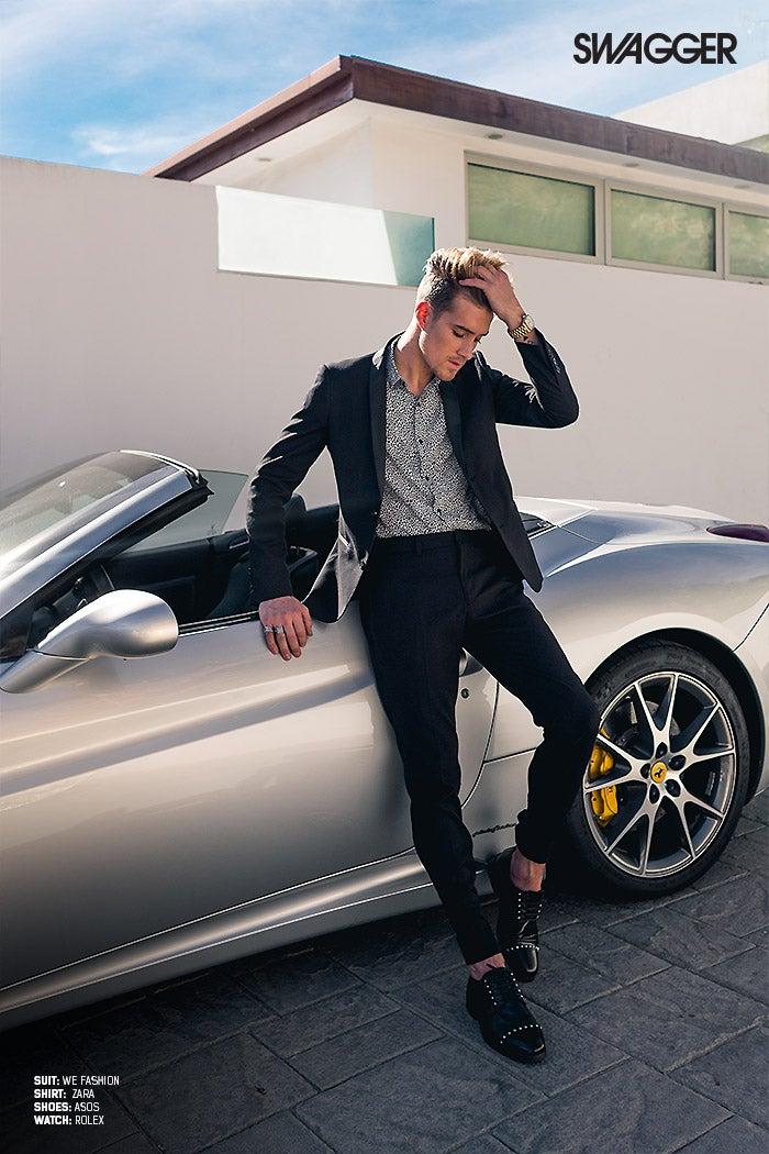 Sebastian standing aside his Ferrari XXXX (Photo: Jose Manuel Cruz / SWAGGER)