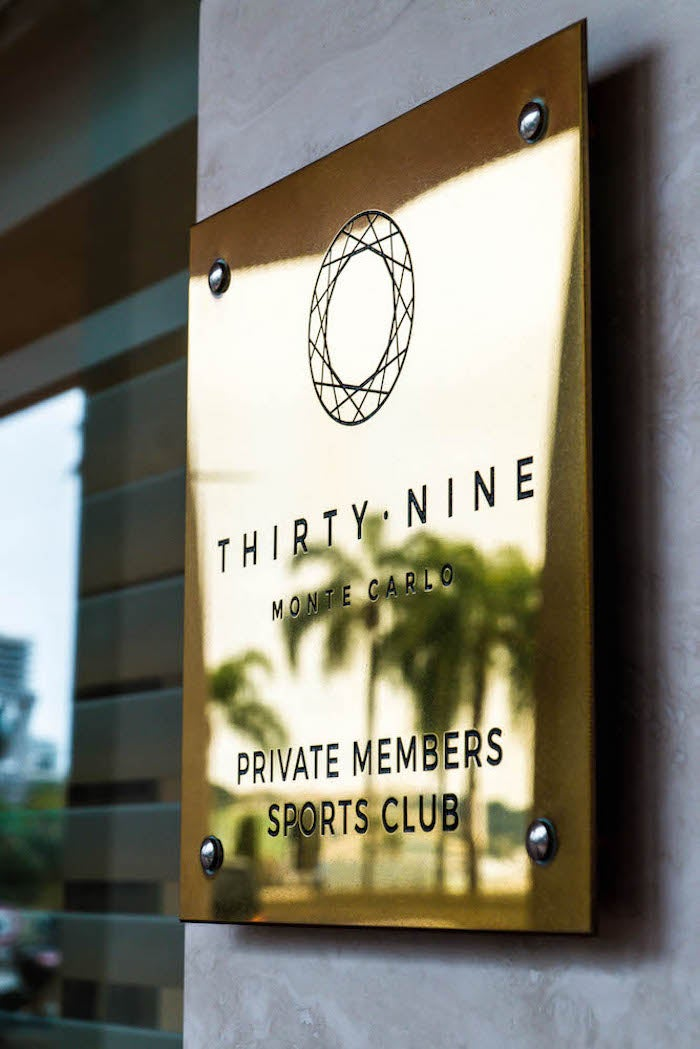 Entrance of the 39 Monte Carlo Exclusive Lounge in Monaco / SWAGGER Magazine