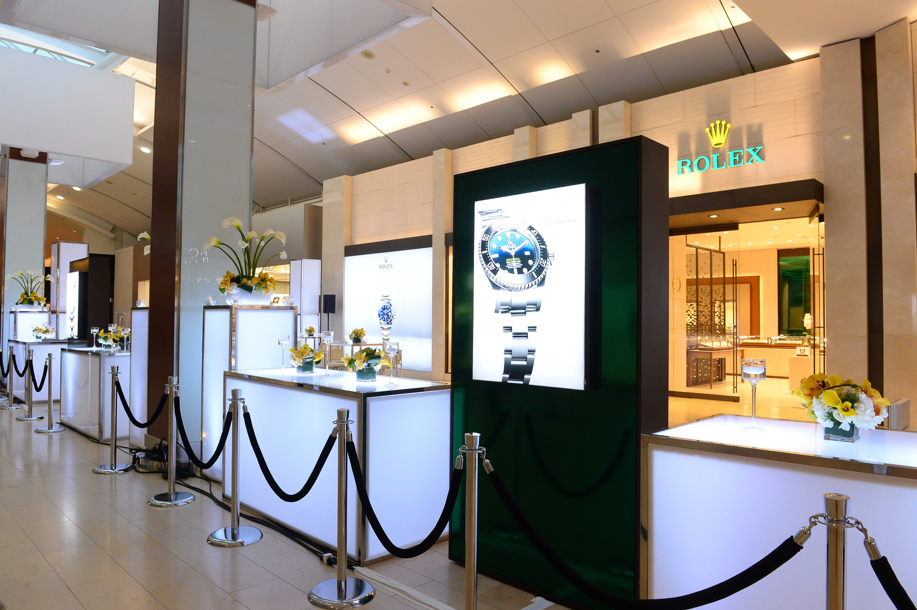 Rolex Boutique by Raffi Jewellers at Square One Shopping Centre | SWAGGER Magazine