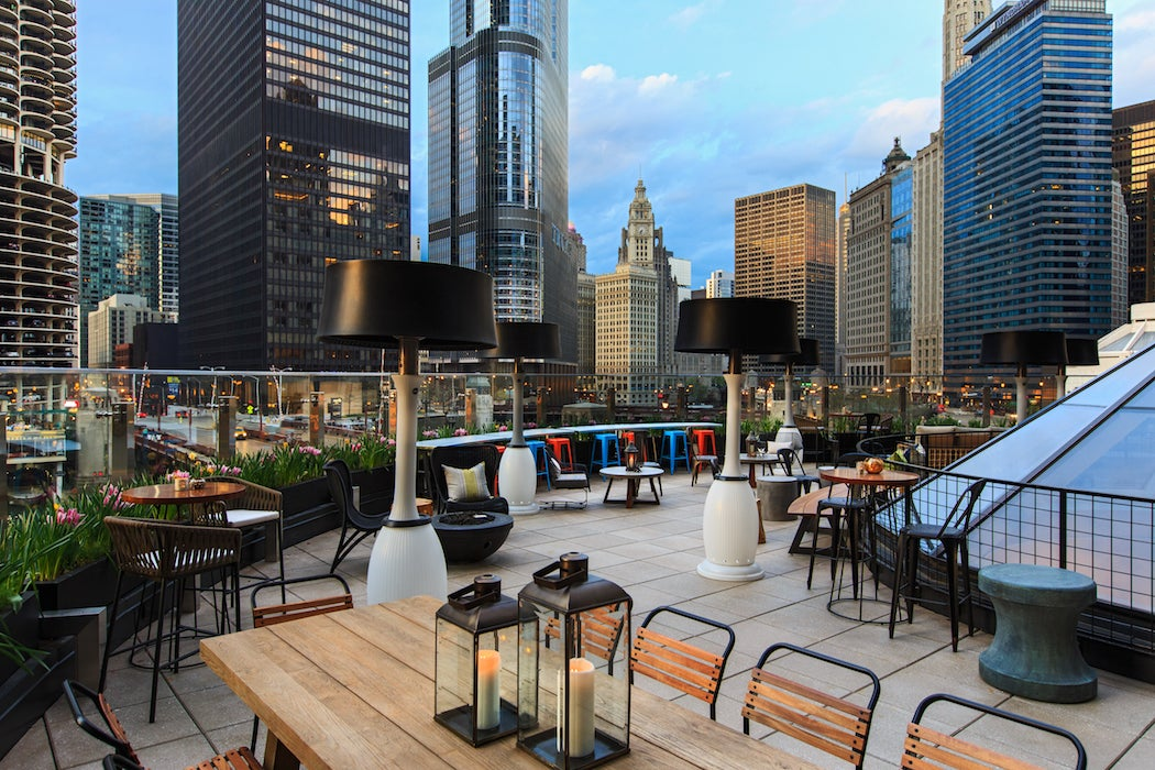 Raised Rooftop at the Renaissance Hotel in Chicago (Photo: Renaissance hotel) - Top Rooftop Patios Chicago City Guide | SWAGGER Magazine