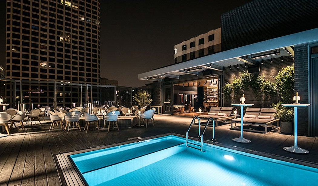 Devereaux Rooftop in Chicago - Top Rooftop Patios City Guide | SWAGGER Magazine