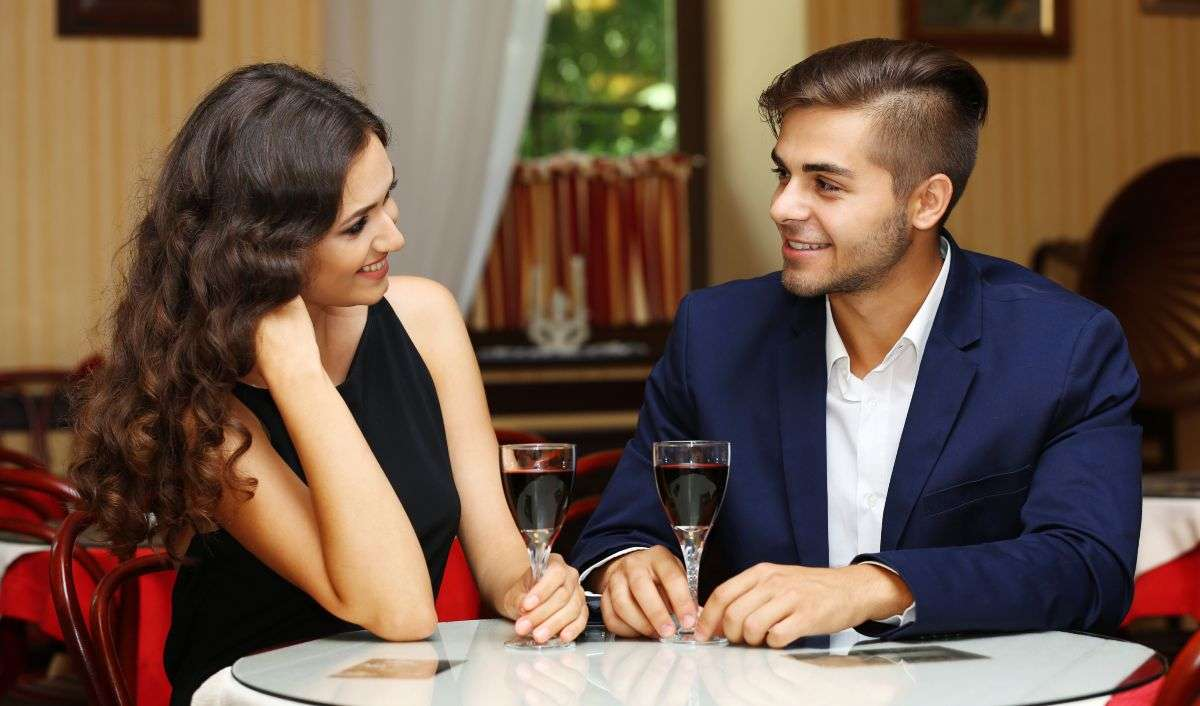 How to correspond with a girl, so she agreed to a date