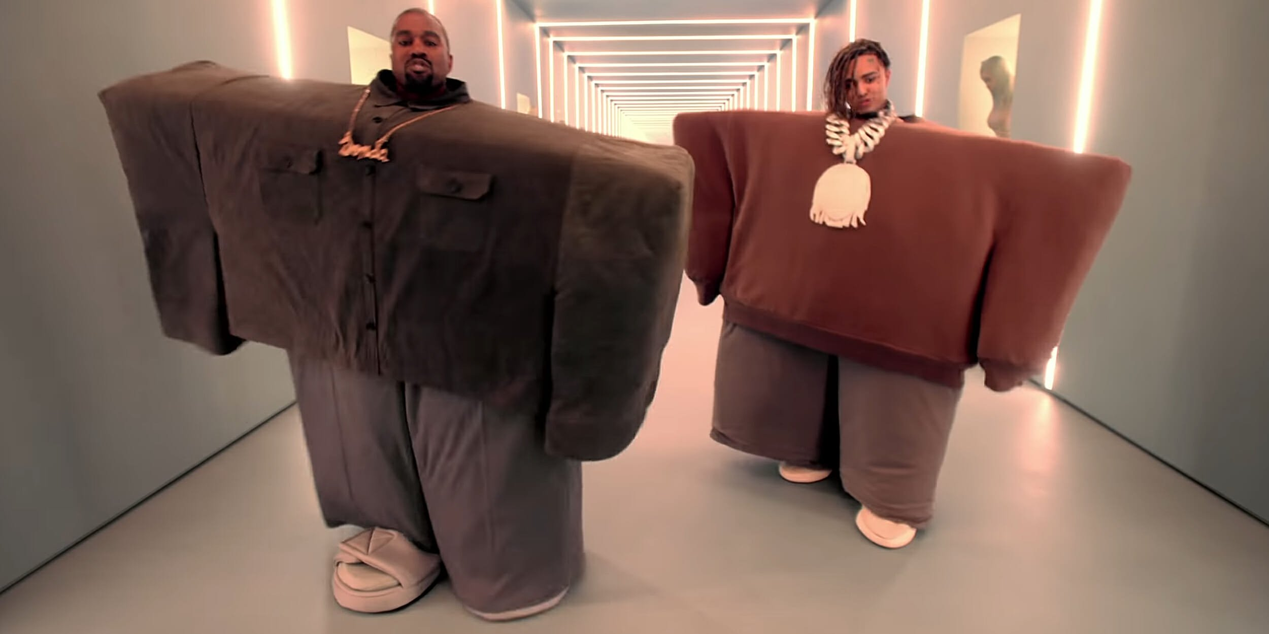 Need An Outfit For Halloween? Check Out Kanye West\u0027s Roblox,Inspired Costume