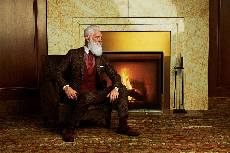 Now that he got his wish, Fashion Santa\u0027s ready to party