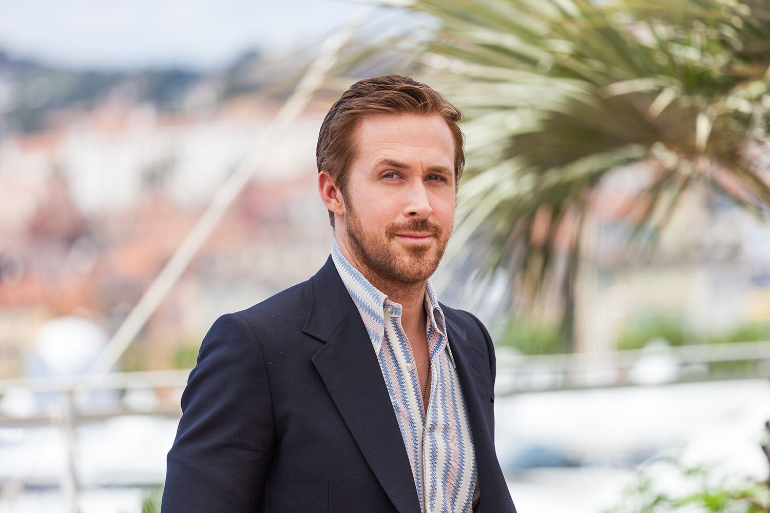 078c5e5fd4 Ryan Gosling - How To Get His Everyday Look - SWAGGER Magazine