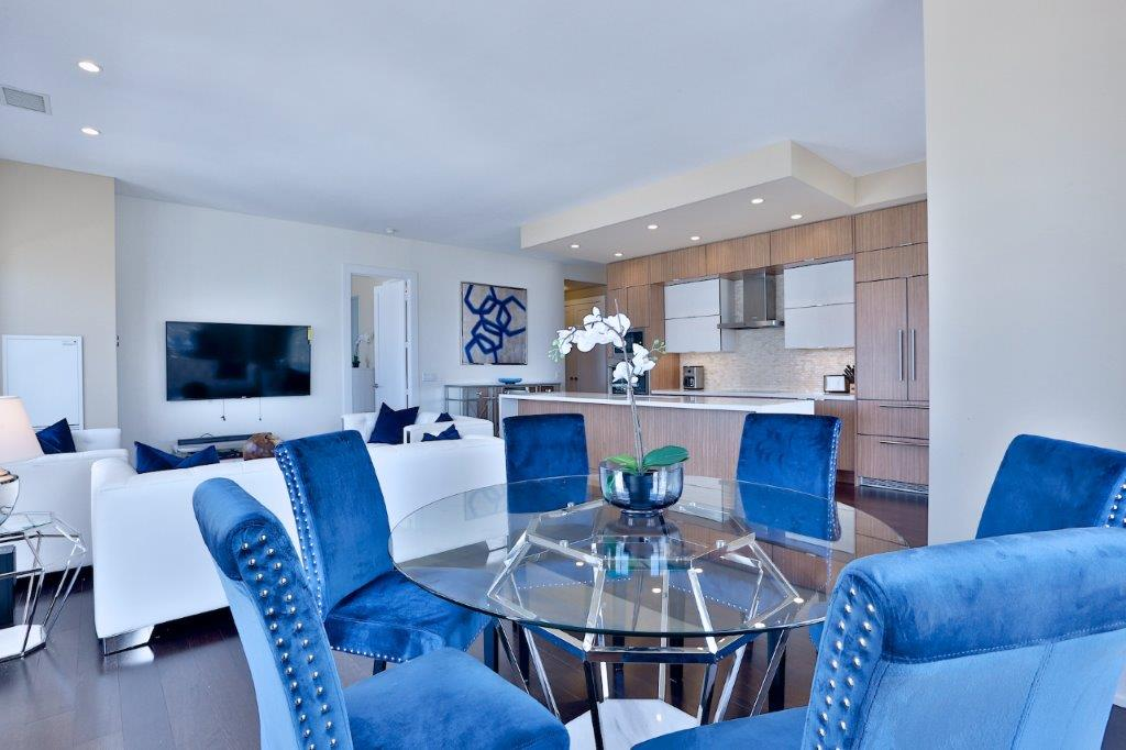 Toronto Luxury Suites Living Room Corporste Business Long Term Rental