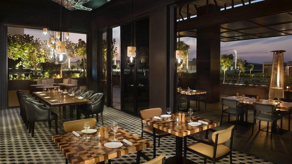 GRAZE Gastro Grill & Bar La Ville Hotel City Walk Steakhouse