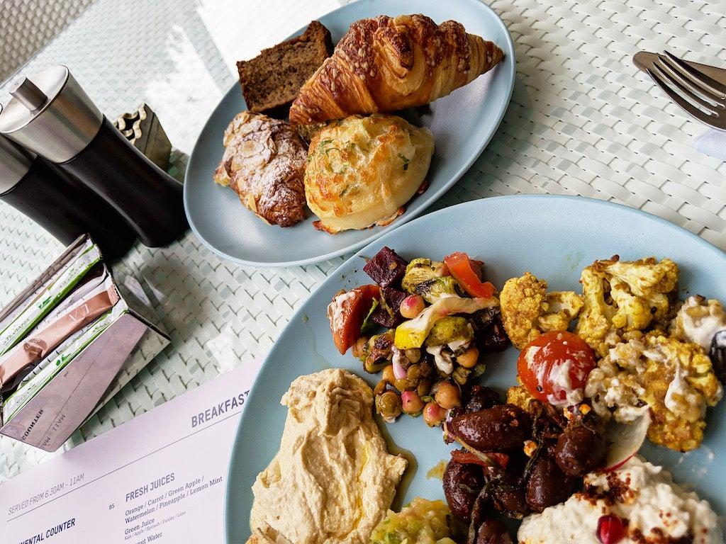 La Ville Hotel & Suites Dubai Breakfast