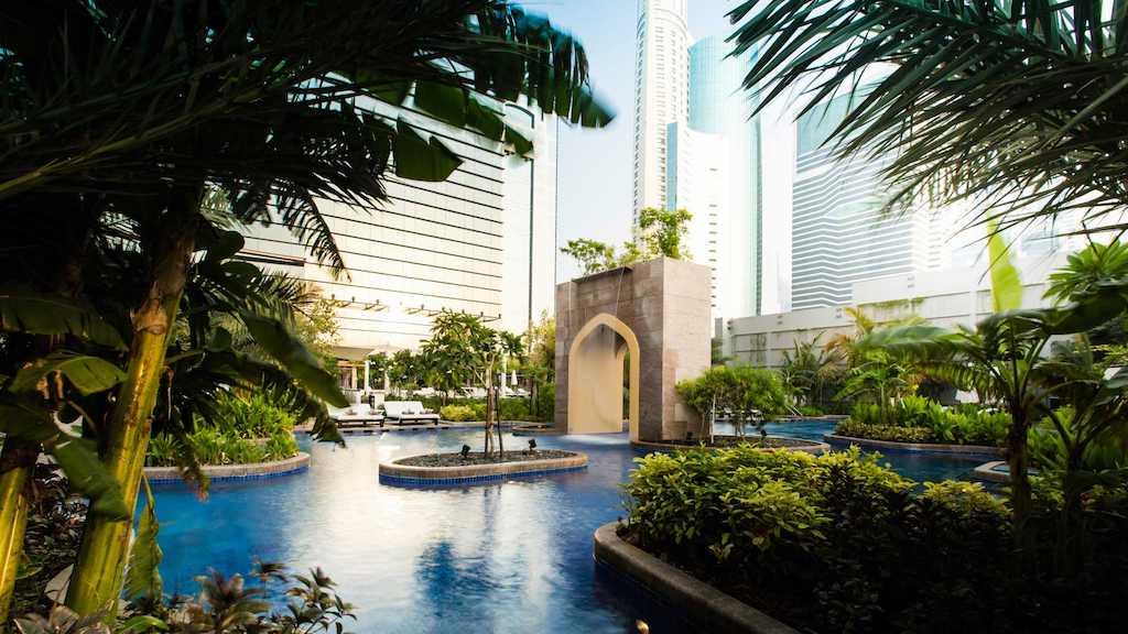 Conrad Hotel Dubai Pool