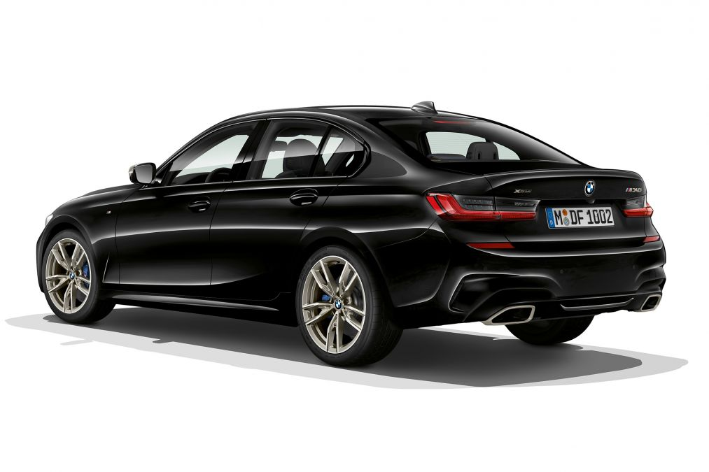 BMW M340i xDrive Back Exterior