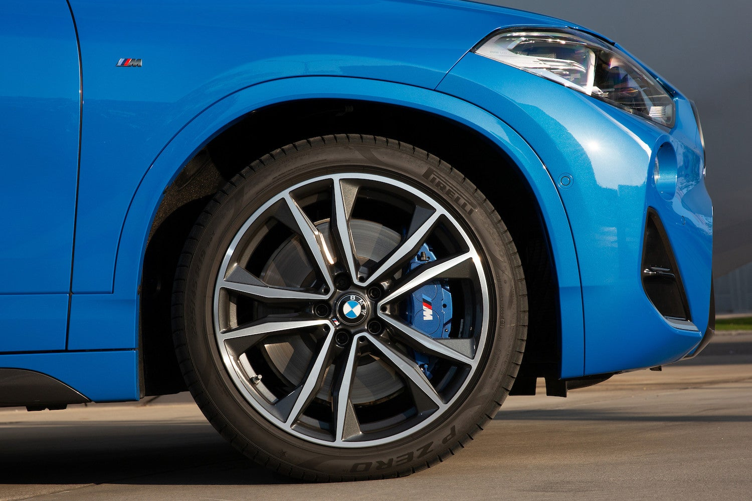 2020 BMW X2 M35i rims and wheel, brake pad