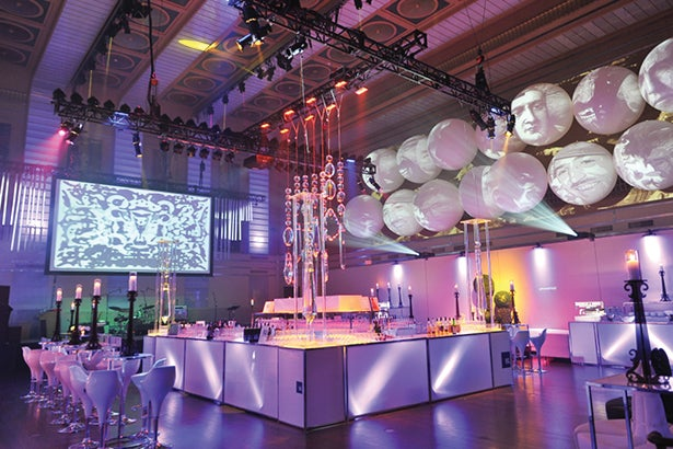 event decor with balloons