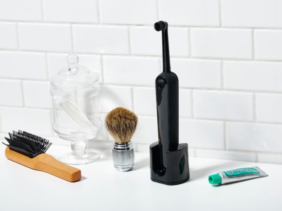 Men's Grooming and Toothbrush