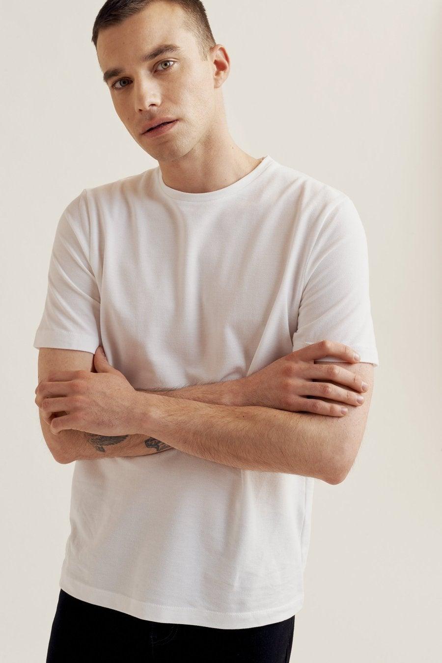 Essential for the modern man's wardrobe - Kotn T-Shirt Pique